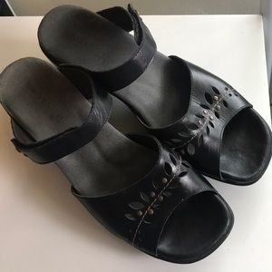Naot sandals slides size 41/10